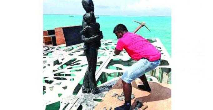 Cops destroy British's sculpture