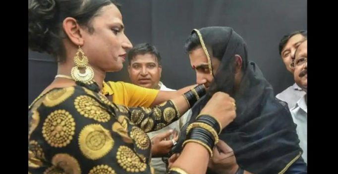 Gautam Gambhir sports 'bindi, dupatta' in support of transgender community