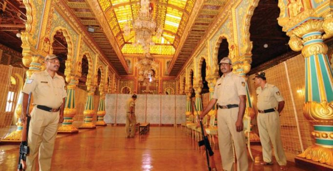 Golden throne in place for Yaduveer's special Dasara darbar