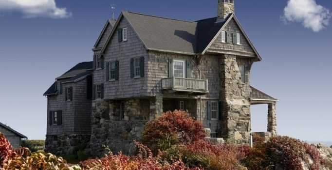 Haunted house, with spirits included, goes on sale