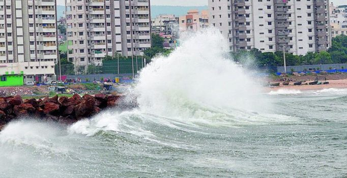 Cyclone Titli threatens to bring back Hudhud's wrath
