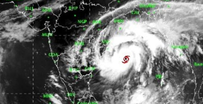IMD issues red warning as Cyclone 'Titli' moves towards Andhra Pradesh, Odisha