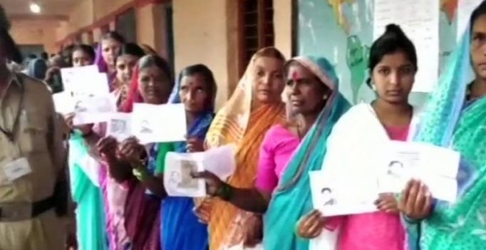 Karnataka by-poll LIVE: Voting for 3 Lok Sabha, 2 assembly seats underway