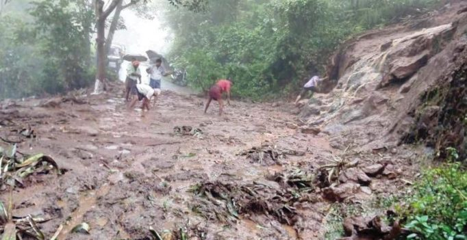 Landslide kills at least 31 in eastern Uganda: Govt officials